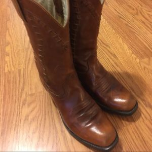 Women's size 7 western boot by Durango